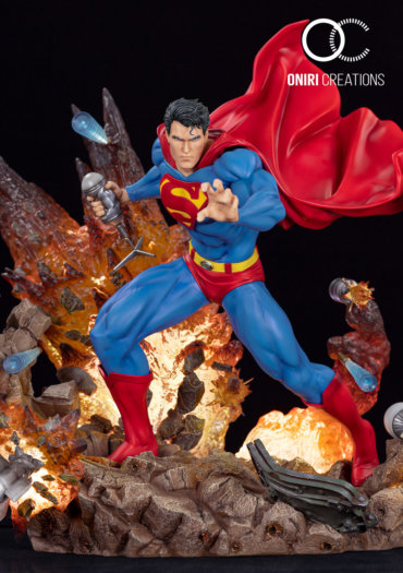 superman-statue-oniri-creations-370x525